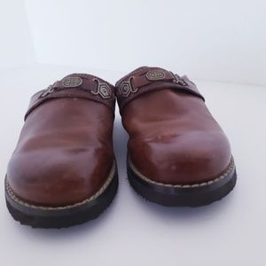 Basic Editions Shoes - Basic edition  brown genuie leather  clogs  shoes